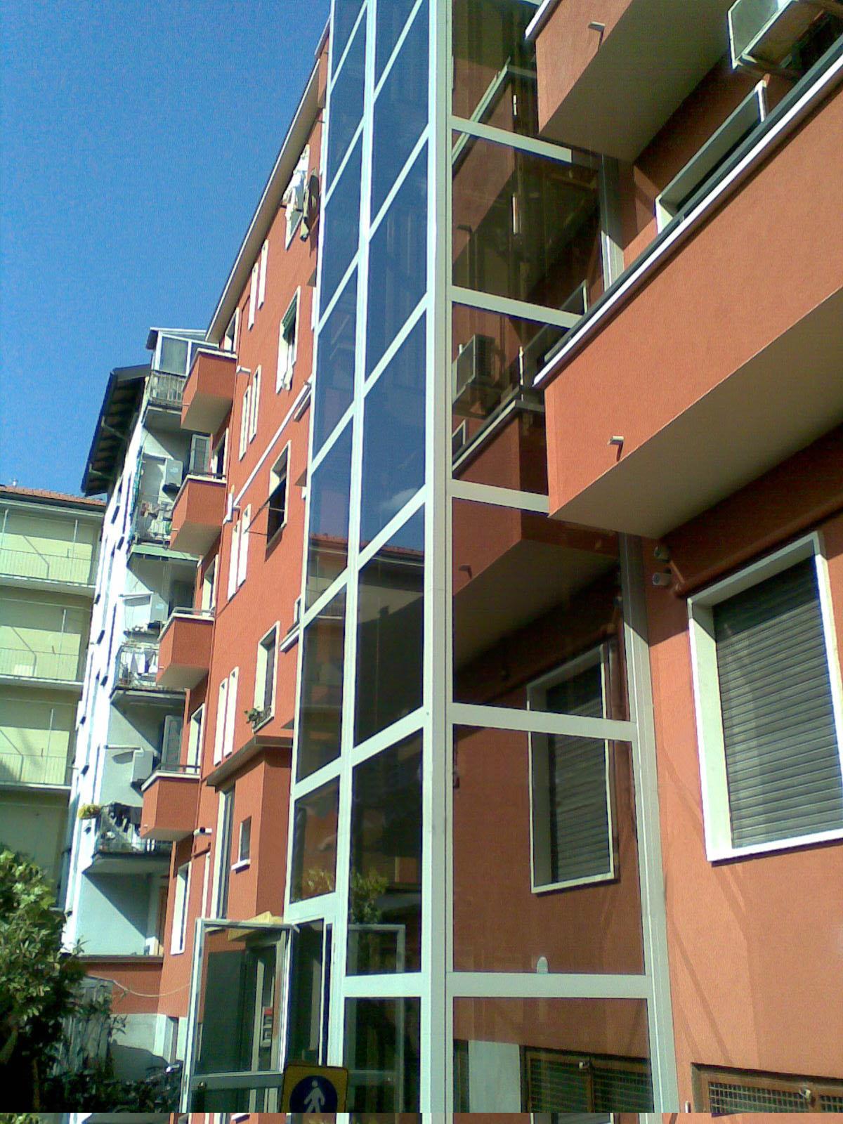 Ascensore esterno condominiale in via brioschi milano - Ascensori esterni ...