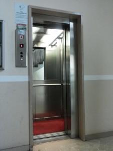 impianto elevatore ad azionamento elettrico installato da Everest - 8