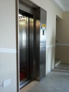 impianto elevatore ad azionamento elettrico installato da Everest - 9