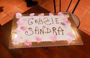 """Torta con scritta """"GRAZIE SANDRA"""""""