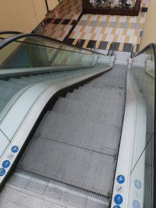 Manutenzione scale mobili centri commerciali